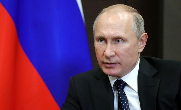 Maidemme välisissä suhteissa on ollut myös vaikeita aikoja, kirjoitti Vladimir Putin onnittelukirjeessään tasavallan presidentille Sauli Niinistölle.