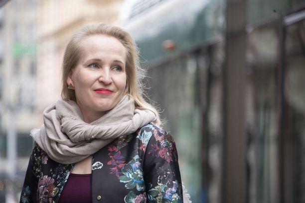 Rakennusliiton puheenjohtaja syyttää valtakunnansovittelijana toiminutta Minna Hellettä puolueellisuudesta.