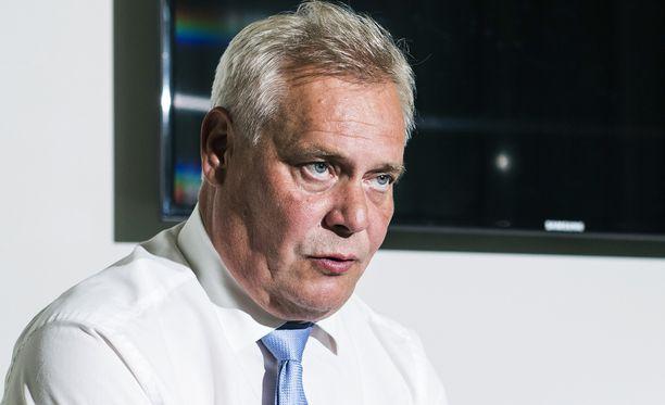 SDP:n puheenjohtaja Antti Rinne sanoo olevansa pettynyt pääministeri Juha Sipilään (kesk).