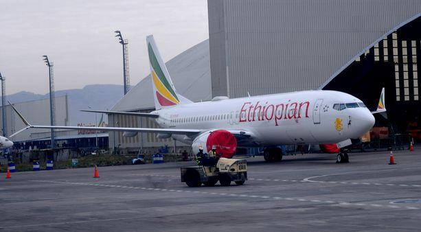 Etiopian lentoturma tapahtui Boeing 737 MAX 8 -koneella. Turman jälkeen monet lentoyhtiöt kielsivät konetyypillä lentämisen.