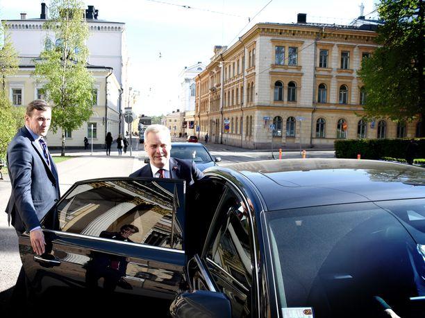 Puheenjohtajien väliset talousneuvottelut kestivät vain alle kolme tuntia ja Antti Rinne poistui Säätytalosta jo ennen iltaseitsemää.