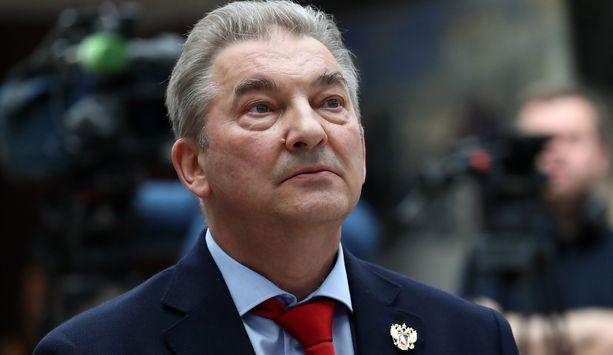 Venäjän jääkiekkoliiton puheenjohtaja Vladislav Tretjak ei hyväksy KHL:n seuroille ensi kaudeksi määräämää 900 miljoonan ruplan palkkakattoa.
