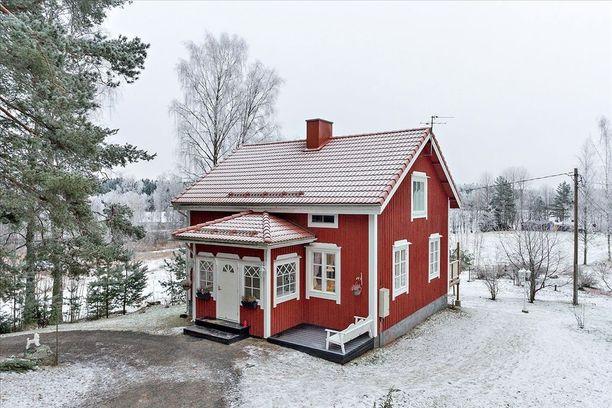 Tämä idyllinen metsätila sijaitsee Salon Suomusjärvellä.