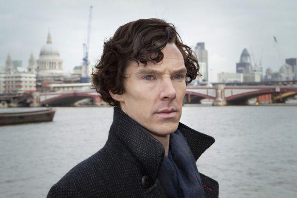 Cumberbatch on tehnyt Uusi Sherlock -sarjan lisäksi näyttävän elokuvauran. Hänet muistetaan muun muassa Hobitti-elokuvista ja parhaan miespääosan Oscar-ehdokkuuden tuoneesta The Imitation Gamesta.