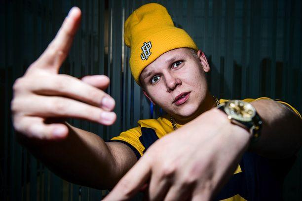 Arttu Lindeman on menestynyt tubettaja ja artisti.