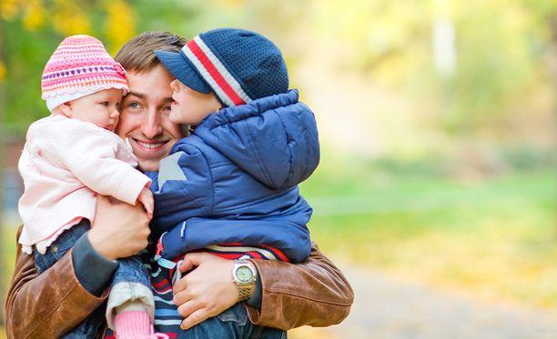 Suurin osa avioliiton ulkopuolella syntyvistä vauvoista syntyy edelleen kahden vanhemman talouksiin.