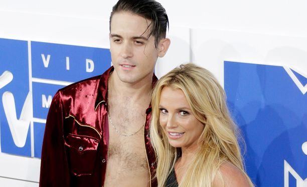 Britney esiintyi gaalassa G-Eazyn kanssa.