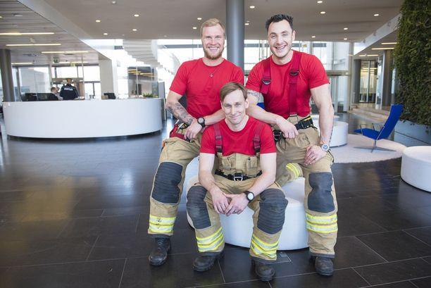 Anton Khreliats, Antti Virtanen ja Aki Rasilainen innostuivat hakemaan mukaan Suomen paras palomies -ohjelmaan silläkin uhalla, että kohtaavat kuittailua työpaikoillaan.