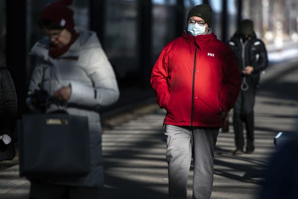 Liikkumisrajoitukset astuisivat voimaan todennäköisesti pahimmilla epidemia-alueilla, kuten Helsingin ja Uudenmaan sairaanhoitopiirin alueella sekä Turussa.