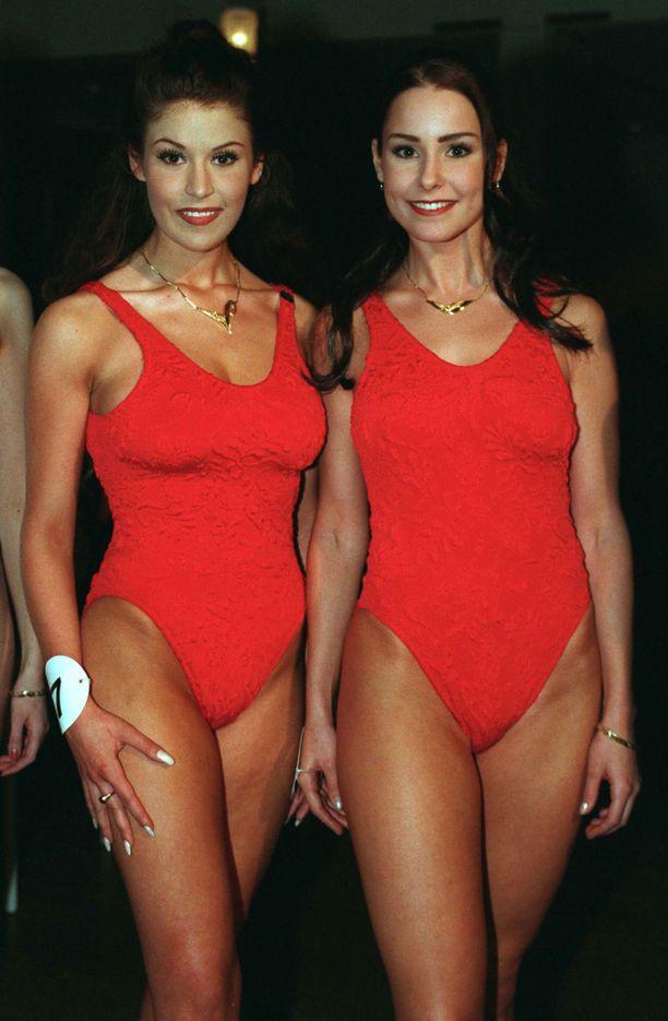 Vuoden 1997 finalistit Maria Drockila ja Karita Tuomola
