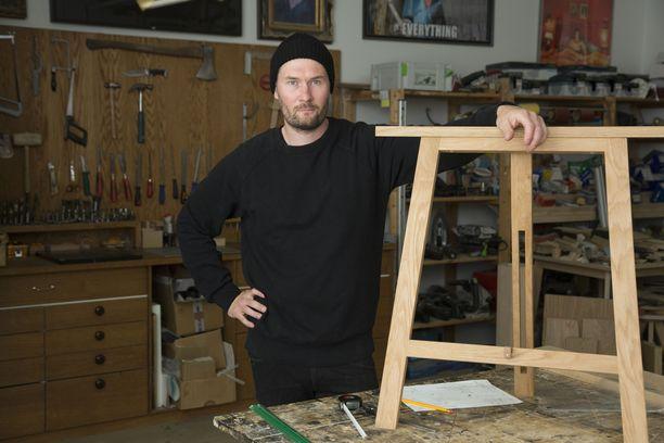 Teppo Lakaniemi on itseoppinut muotoilija.