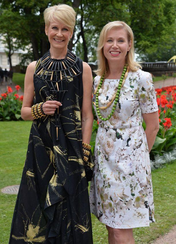 Ex-kansanedustaja Leena Harkimo ja Perheyritysten liiton Leena Mörttinen olivat malleina.
