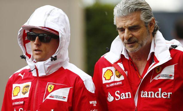 Jatkaako Kimi Räikkönen tallipäällikkö Maurizio Arrivabenen alaisuudessa?