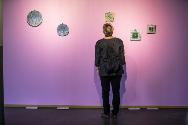 Näyttelyt ovat saaneet kiitosta sekä kesänäyttelyjen kävijöiltä että taiteen asiantuntijoilta. Keraamikko Rut Brykin (1916-1999) teoksia voi ihastella vielä sunnuntaina. Katutaide ja osa julkisissa tiloissa olevista FAA:n teoksista jää Finlaysonin alueelle vielä näyttelyn päätyttyä.