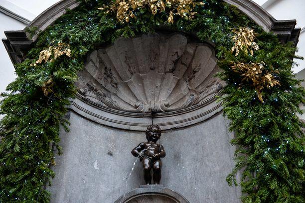 Manneken Pis on 60 senttimetrin korkuinen pronssipatsas.
