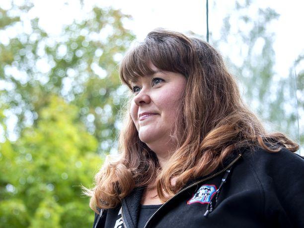 Elina Myllymäki teki ensimmäiset merkinnät lasten kuluista kirjanpitoonsa jo ennen ensimmäisen lapsen syntymää.