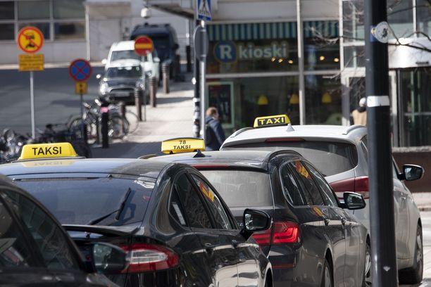 Viime aikaisten uutisten mukaan taksitolpilla on sattunut viime aikoina ikäviä tilanteita.