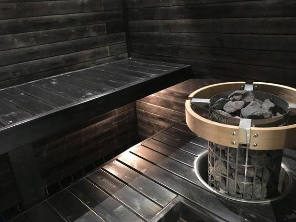 Asukkaat pääsevät kokeilemaan myös saunaa.