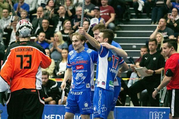 Sami Johansson (kesk.) vei Classicin johtoon avauserässä.