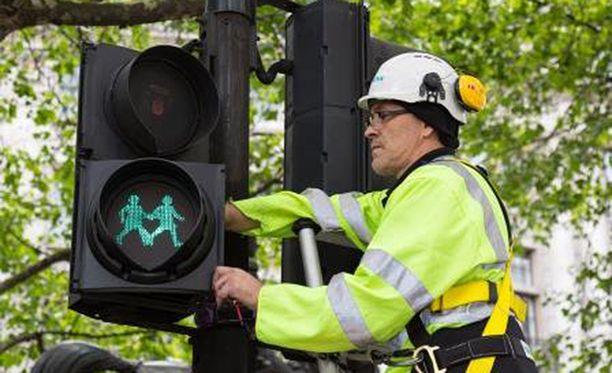 Siemens asensi uudet liikennevalot Lontooseen ilman korvausta.