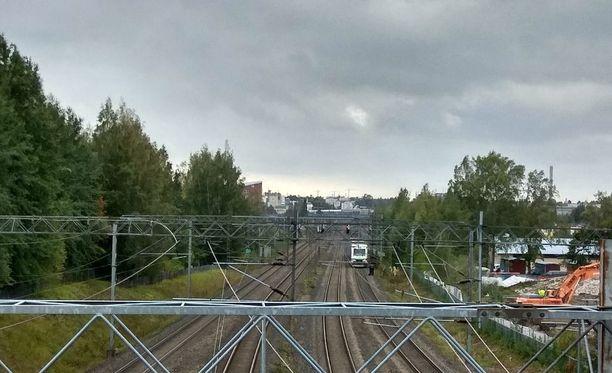 Junaliikenteessä esiintyy viivästyksiä.