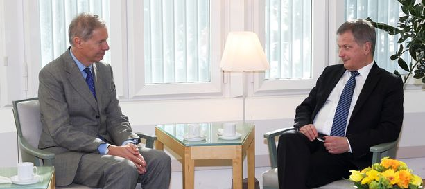 Jean-Marie Guéhenno tapasi presidentti Sauli Niinistön Mäntyniemessä maanantaina.