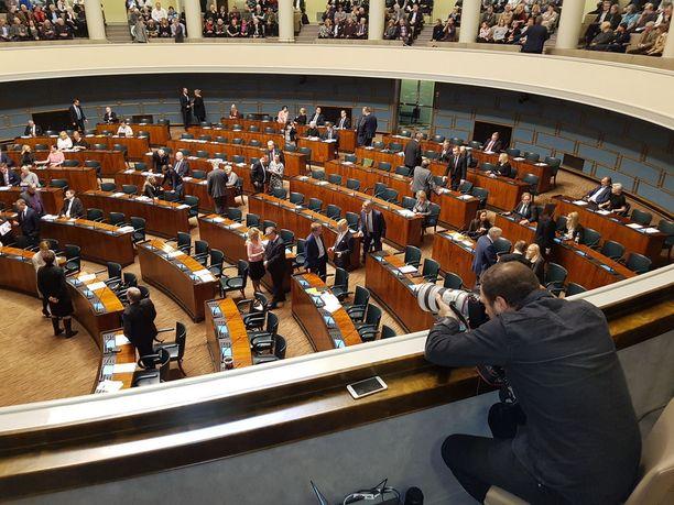Lainsäädäntösihteeri Otto Meren mukaan aloite toivoo eduskunnan kumoavan lain, jota ei enää ole olemassa.