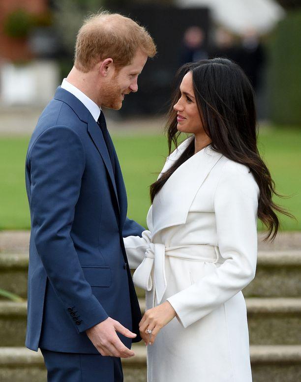 Meghanin ja Harryn suhdetta yritettiin salata mahdollisimman pitkään.