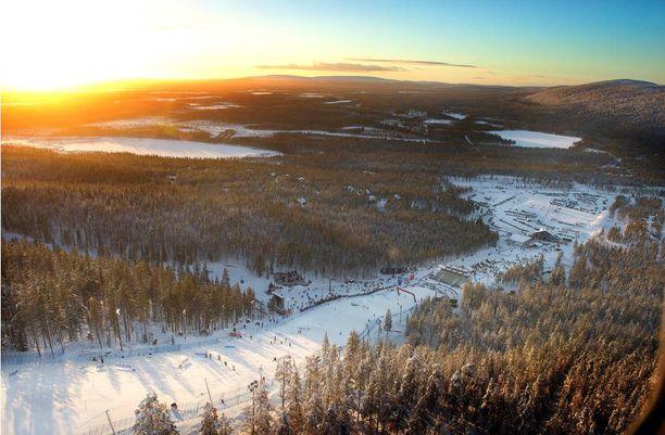 Mökit suosituimpien hiihtokeskusten ytimestä alkavat olla jo loppuunmyytyjä. Hieman kauempaa on kuitenkin mahdollista saada mökkejä. Kuva Leviltä.