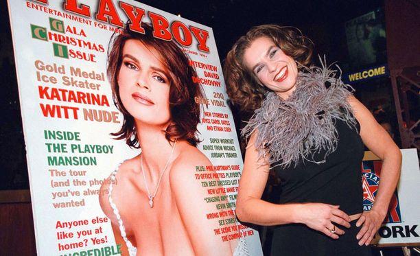 Katarina Witt poseerasi alasti Playboyssa 1998. Sitä ennen lehti oli 10 vuotta turhaan yrittänyt saada Wittiä riisuutumaan valokuvaajalleen.