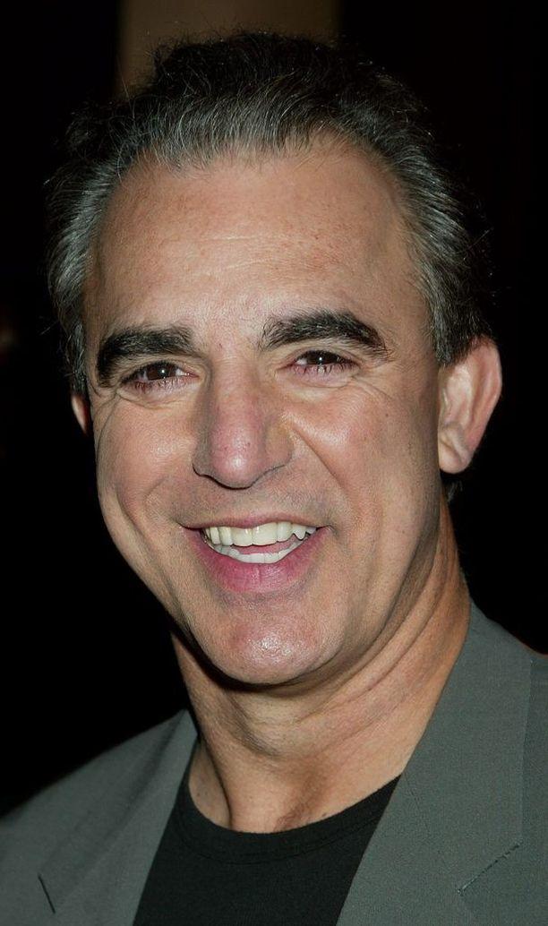 Jay Thomas tuli tunnetuksi näyttelijänä, koomikkona ja juontajana.
