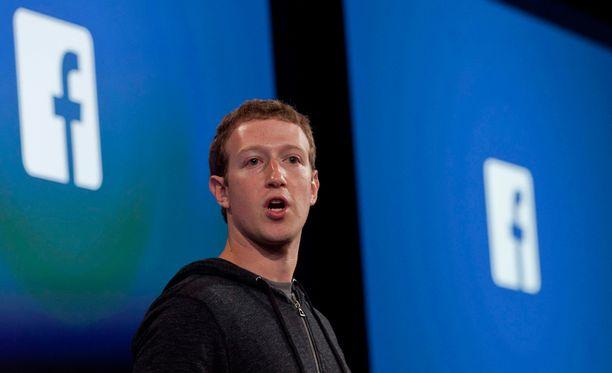 Facebookin perustaja Mark Zuckerberg kiistää Facebookissa julkaistun sisällön vaikutuksen Donald Trumpin vaalivoittoon.