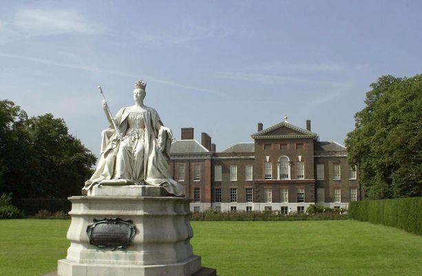 Kensington palatsi on osittain auki yleisölle. Edesmennyt prinsessa Diana asui juuri tässä palatsissa.