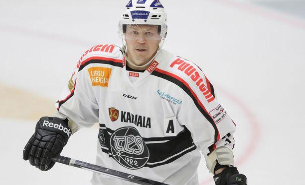 Mitä tekee Petteri Nummelin?