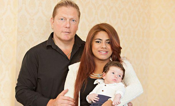 Vesa ja Jane Keskisellä on kaksi lasta, poika Toivo, 5 kuukautta, ja tytär Maria, 2 vuotta.
