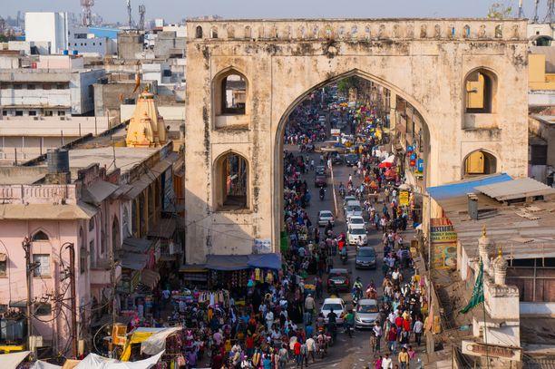 Kuvassa Hyderabadin vanha kaupunki Intiassa. Raiskaus oli kaupungin esikaupunkialueella.