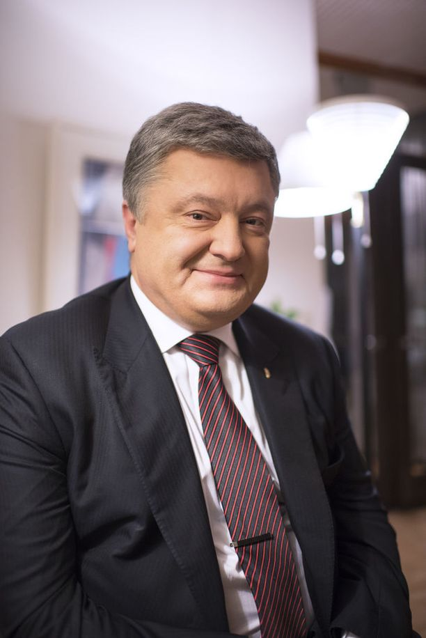 Ukrainan presidentti Petro Poroshenko kiittää vuolaasti Ukrainan Suomelta saamaa tukea.