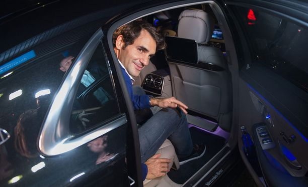 Roger Federer esiintyy maanantai-iltana Hartwall-areenassa.