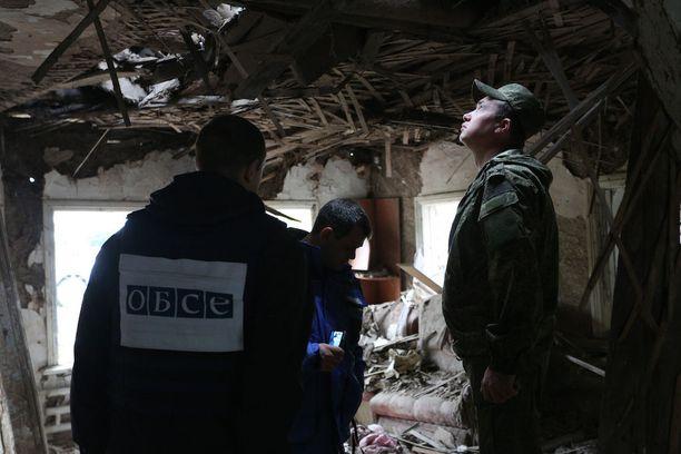 Etyjin tarkkailijat tutkivat taistelujen jälkiä Donetskissa tässä kuussa.