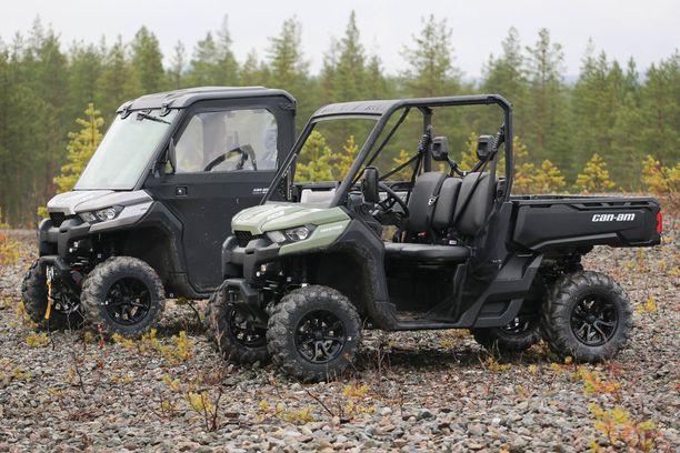 Perinteisesti traktorimönkkäreitä on käytetty työoloissa. Nykyään myös maantiellä ja nuorten käytössä.