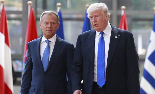 Eurooppaneuvoston puheenjohtaja Donald Tusk otti vastaan presidentti Donald Trumpin Brysselissä.