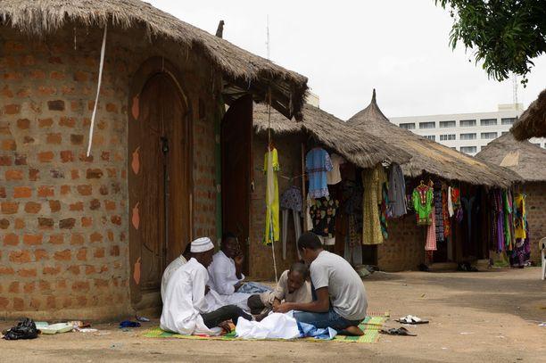 Lassakuume leviää jälleen Nigeriassa. Kuvituskuva maan pääkaupungista Abujasta.