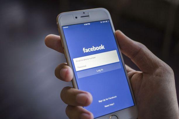 Vainoaja piinasi uhriaan muun muassa Facebookiin tekaisemallaan käyttäjätilillä. Kuvituskuva.