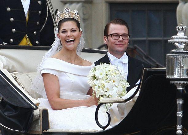 Kruununprinsessa Victorian ja prinssi Danielin satuhäistä tulee perjantaina 19.6. kymmenen vuotta.