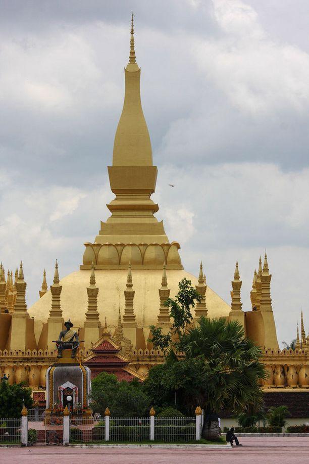 Vientianen Pha That Luang -temppeli on upea.