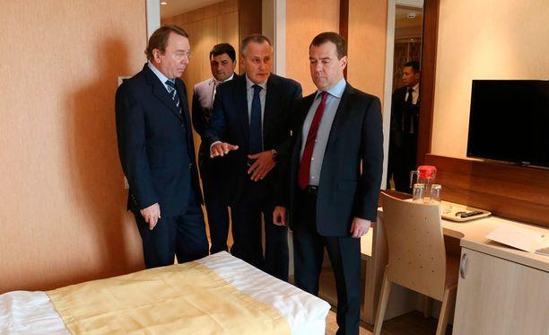 Venäjän pääministeri Dmitri Medvedev oli tarkastamassa Sotshin olympiakylää.
