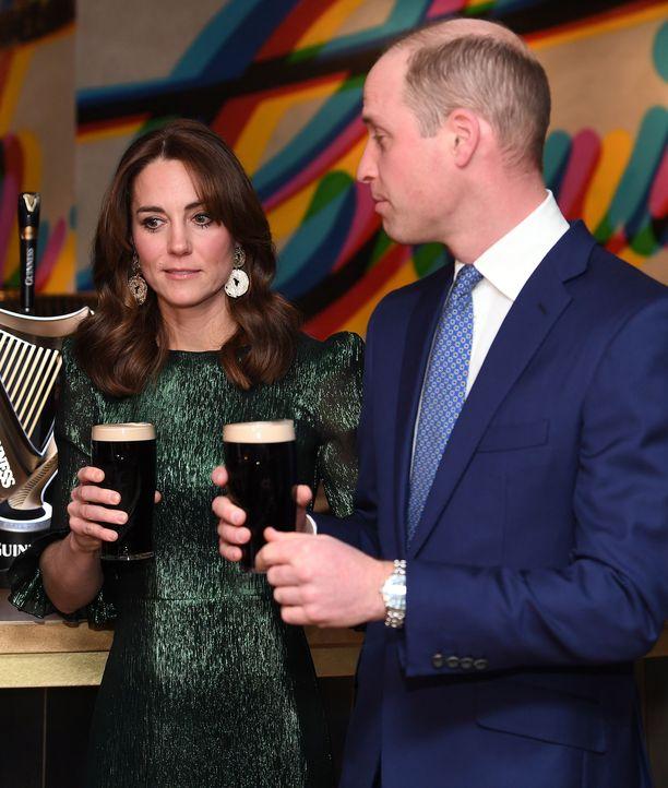 Catherine ja William päätyivät maistelemaan irlantilaista olutta.