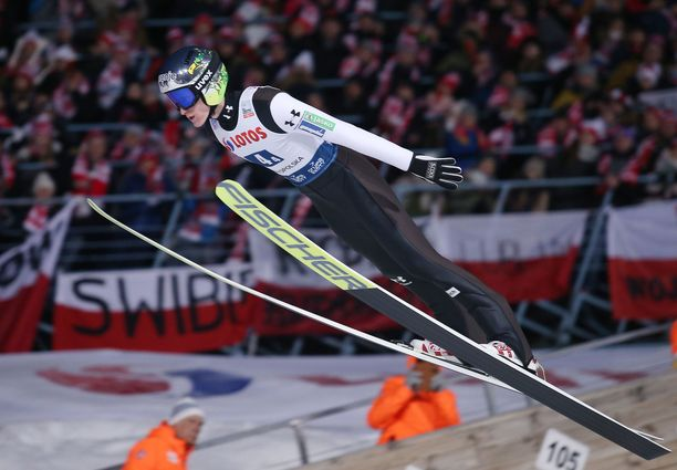 Peter Prevc vei voiton Lillehammerissa maanantaina. Arkistokuva.