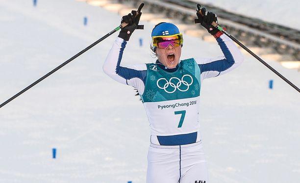 Krista Pärmäkoski voitti jo kisojen avauspäivänä pronssia yhdistelmähiihdossa.