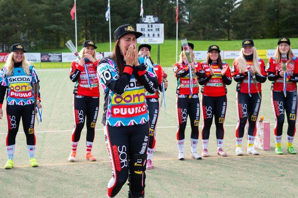 Susanna Puisto itki mestaruuden varmistuttua.